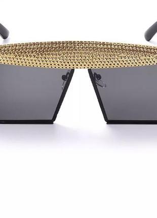 Ультрамодные солнцезащитные очки с камнями