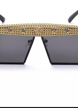 Крутые солнцезащитные очки с камнями2 фото