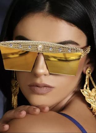 Крутые солнцезащитные очки с камнями4 фото