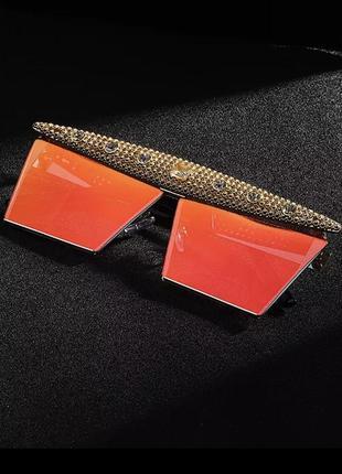 Крутые солнцезащитные очки с камнями9 фото