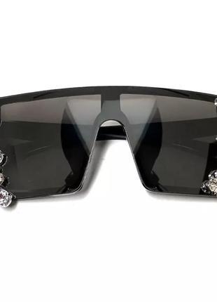 Стильные солнцезащитные очки с камнями5 фото