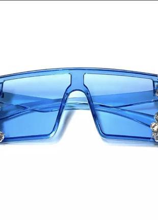 Стильные солнцезащитные очки с камнями6 фото