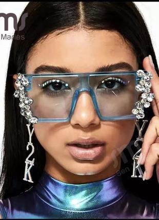 Стильные солнцезащитные очки с камнями9 фото