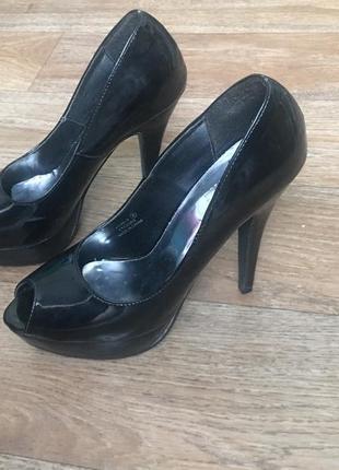 Акция! скидка! последняя цена! туфли лаковые чёрные с открытым носкрм