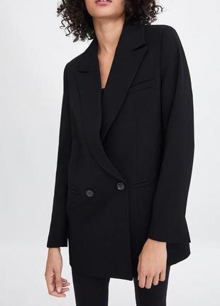 Крутой двуборотный пиджак
