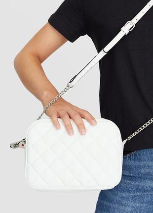 Красивая сумочка кросс боди с ключиком stradivarius