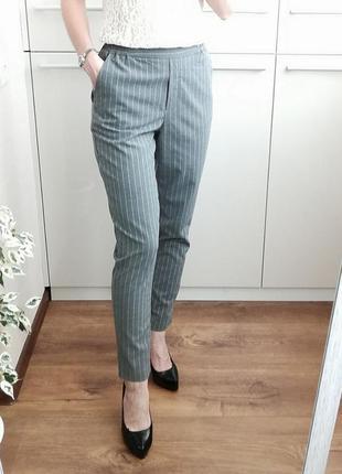 Стильные серые классические брюки кэжуал в полоску  🌺