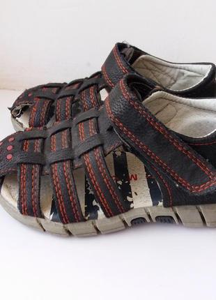 Летние сандали закрытые кожаные nutmeg