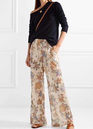 Лётные шифоновые брюки с актуальным принтом