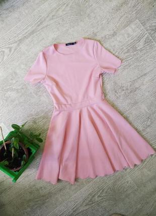 Розовое платье нежное