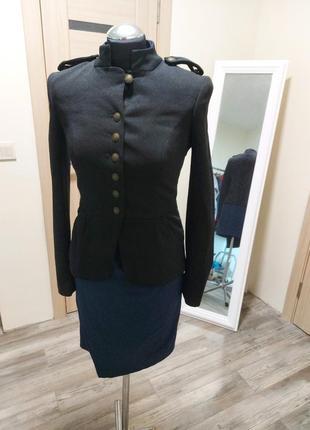 Пиджак черный с баской, в гусарском стиле!