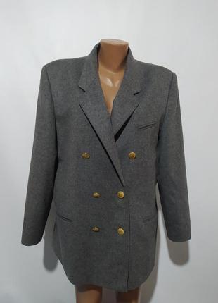 Пиджак двубортный удлиненный