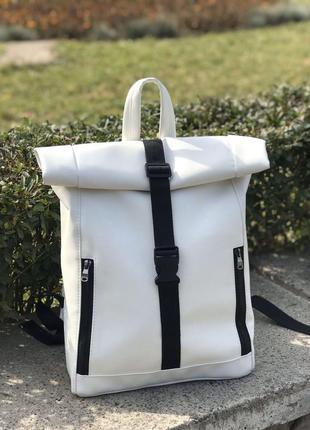 Большой женский белый рюкзак в спортзал