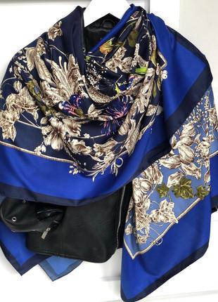 Очаровательный шёлковый платок шарф