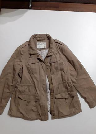 Фирменная легкая куртка ветровка
