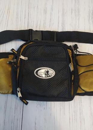Спортивная сумка, бананка