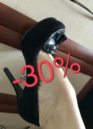 👯♀️стильные туфли с кисточками замшевые на высоком каблуке miss selfridge 38рр