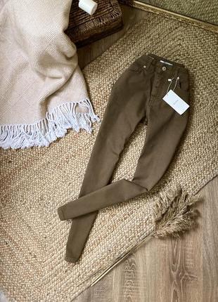Актуальные джинсы skinny