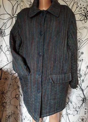 Винтажное демисезонное пальто , оригинал,винтаж,разноцветное,радужное.70%шерсть