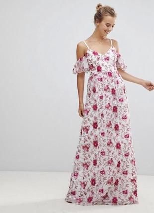 Дуже гарна сукня з вишивкою