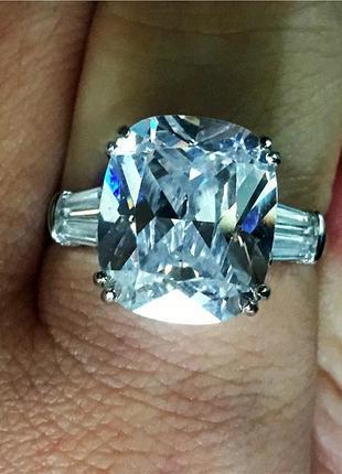 Солидное кольцо в 10 карат бельгийская огранка  гориииииит   серебро