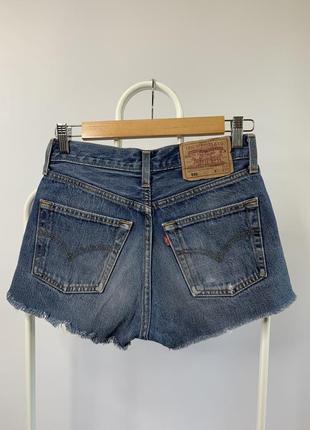 Оригинальные короткие джинсовые шорты levis
