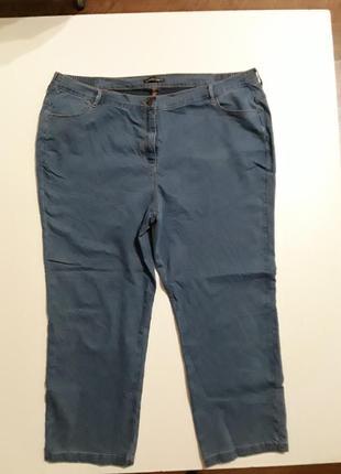 Фирменные легкие стрейчевые джинсы
