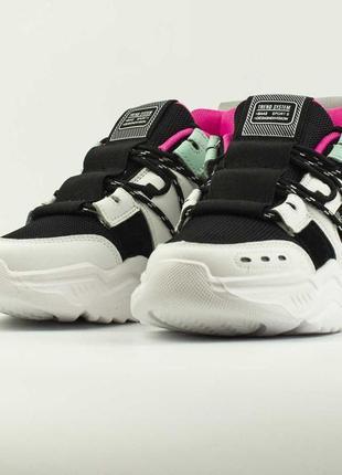 Кроссовки 36 размер , новинка, яркие, дышащие  , спортивные2 фото