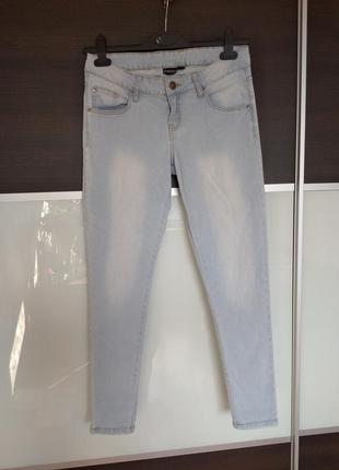 Светлые летние джинсы esmara