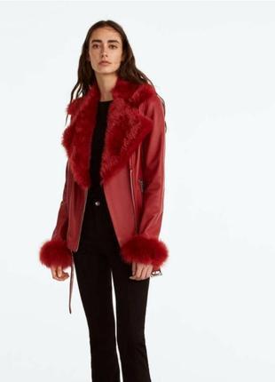 Кожаная куртка курточка косуха с мехом красная massimo dutti uterque