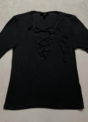 Черная кофта-футболка с завязками