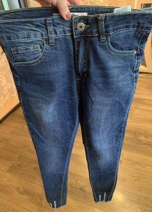 Новые джинсы скинни размер 42-44 s