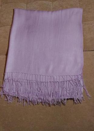 Нежный лиловый вискозный шарф палантин