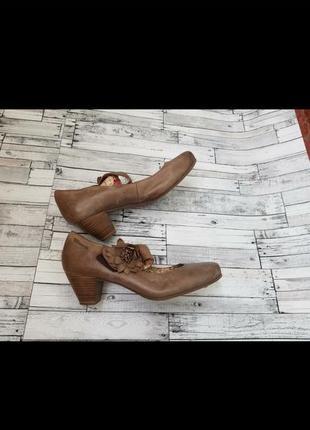 Туфли кожа..бренд  tamaris  39r