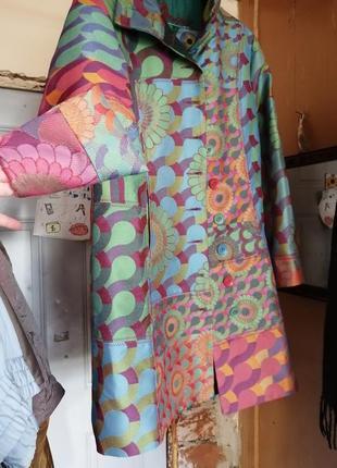 Жаккардовое плотное пальто в стиле бохо