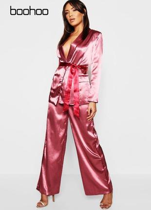 Новые широкие атласные штаны в пижамном стиле boohoo