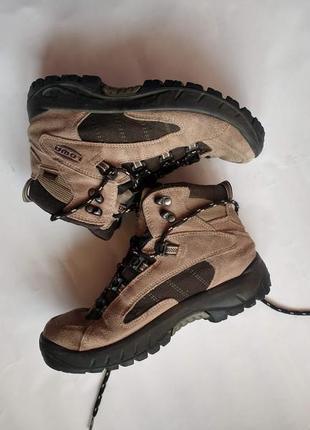 Трекинговые женские ботинки