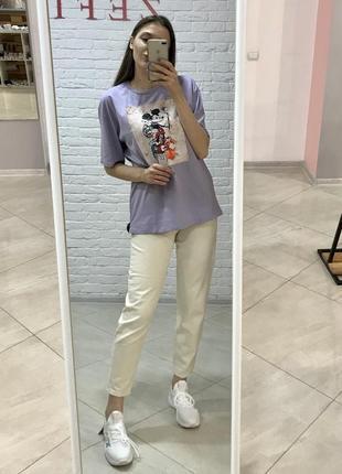 Стильна подовжена футболка з міккі, фіолетовий колір