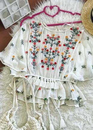 Красивая блуза вышиванка от zara 🌿