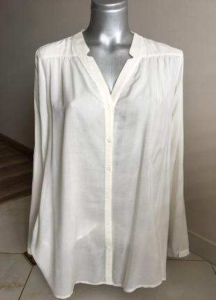 Стильная белая блузка отличного качества.