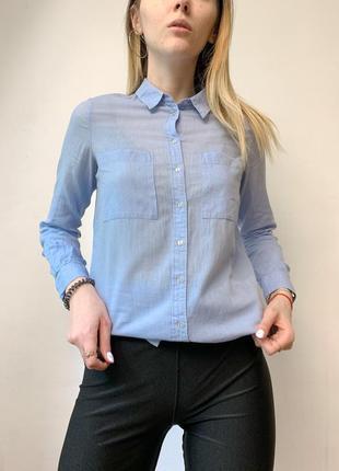 Удлиненная синяя рубашка из натуральной ткани
