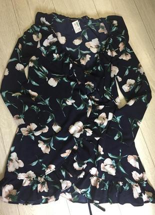 Платье с рюшами на запах 12р