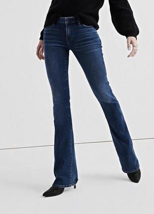🌿актуальные джинсы клёш в обтяжку forever 21 с широким низом