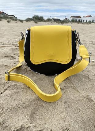 Сумочка женская кросс-боди небольшая круглая желтая с черным