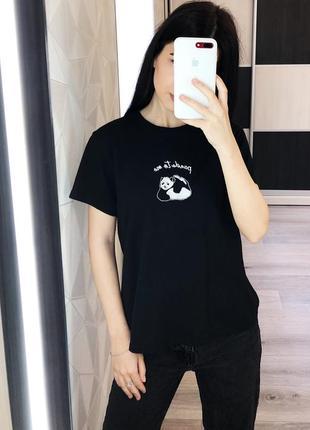 Черная плотная футболка от topshop c вышивкой панды