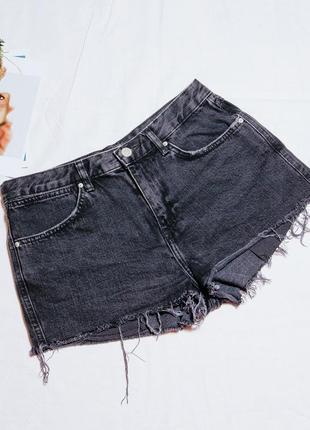 Джинсовые шорты черные