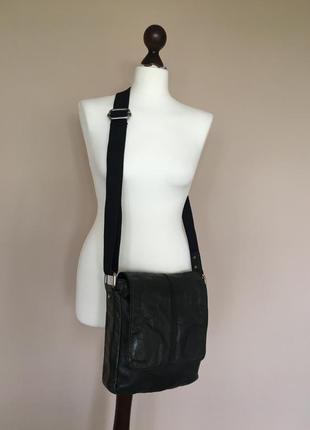 Брендовая кожаная сумка крос боди  мессенджер бренд fossil оригинал номерная