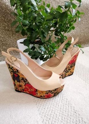 Босоножки, балетки, жіноче взуття, женская обувь