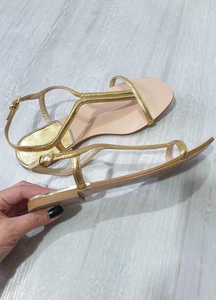 Босоножки сандалии zara