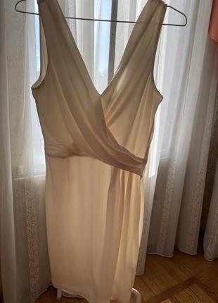 Классическое платье в офис или на свидание
